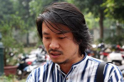 Phúc thẩm Tuần Châu kiện Việt Tú: Đạo diễn Hoàng Nhật Nam bật khóc