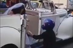 Video thanh niên chặn xe cô dâu để níu kéo tình cũ