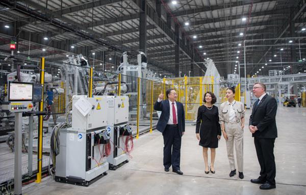 Ngô Thanh Vân trở thành đại sứ thương hiệu VinFast