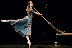 "Hanoi L'Espace presents screening of ballet ""Cinderella"""