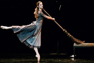"Hanoi L'Espace presents screening of ballet ""Cinderella"""