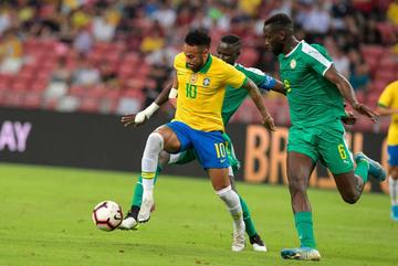 Neymar mờ nhạt, Brazil thoát thua Senegal