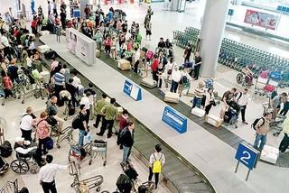 Bị từ chối làm thủ tục, khách hùng hổ tát vào mặt nhân viên hàng không