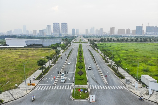 New eight-lane street connects three Hanoi districts