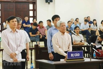Hanoi court starts hearing appeal in Vinashin case