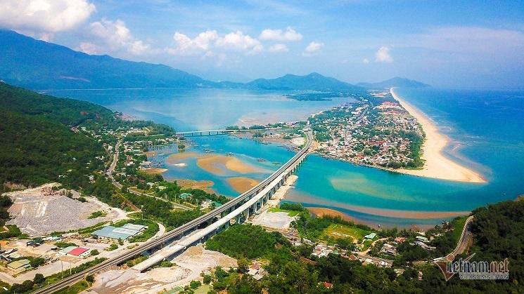 Chui vào hầm đường bộ hơn 7.200 tỷ, dài nhất Đông Nam Á