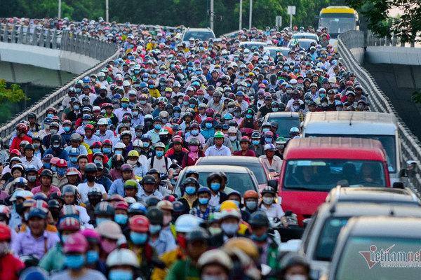 TP.HCM đông dân nhất cả nước, có quận gấp đôi dân số 1 tỉnh