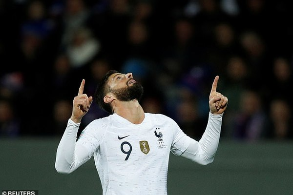 Giroud bừng sáng, Pháp thắng nghẹt thở Iceland