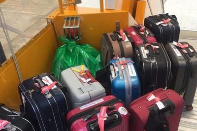 Phạt quá cân hành lý xách tay: Hãng tận thu hay khách kém văn minh?