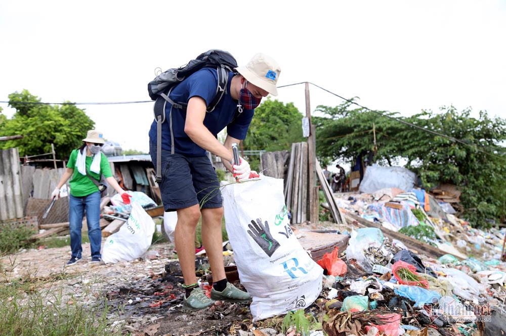 ô nhiễm,ô nhiễm môi trường,cầu Long Biên,rác thải