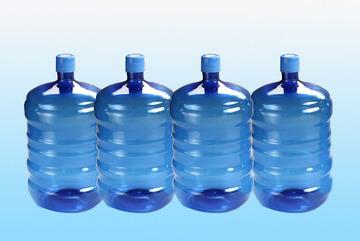 Sợ độc không dám dùng nước máy, Linh Đàm cháy hàng nước đóng bình