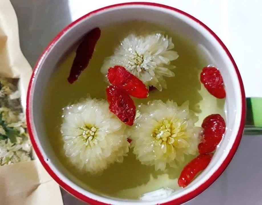 Hà Nội mùa thu, ăn kem 2 trứng muối, thưởng trà hoa tiến vua
