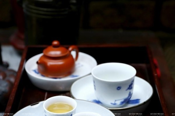 East meets West in a cup of tea