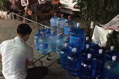 Cuộc chuyển nước rầm rập giữa đêm tối ở Linh Đàm