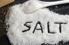 Một nắm muối gây ra 9 loại bệnh và 5 cách ăn muối tốt cho sức khỏe