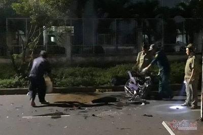 Xe máy tông nhau trực diện, 2 người chết, 1 người bị thương