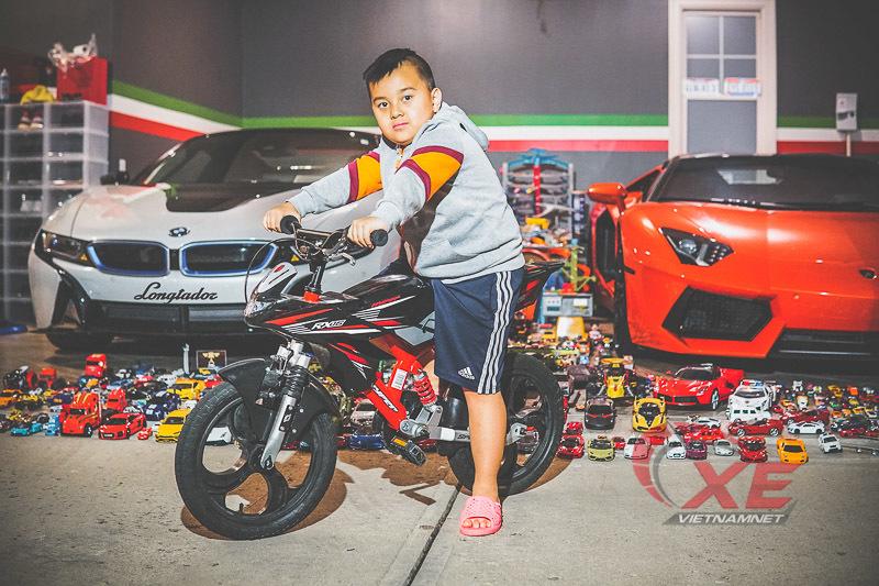 Cậu bé người Việt sở hữu 7000 'siêu xe' gần tỷ đồng