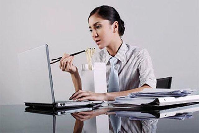 Thói quen có hại cho sức khỏe, thức khuya, không ăn sáng