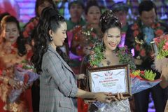 Hương Hoàng trở thành Đại sứ nhân ái Việt Nam 2019