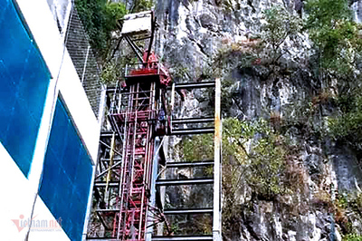 Hà Giang: Thang máy 102 tầng giữa phố cổ Đồng Văn