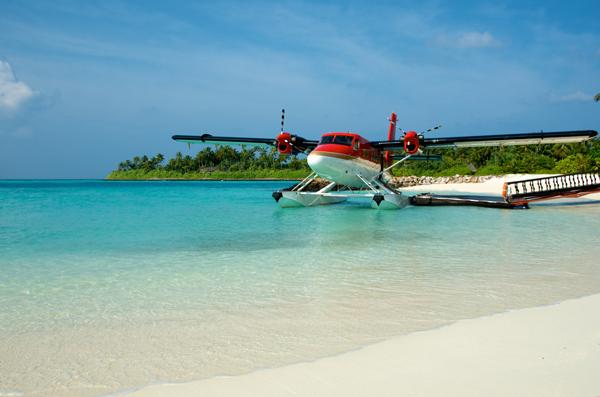 Khách hàng Hảo Hảo sẵn sàng 'đi đu đưa' cùng Hoài Linh, Tóc Tiên ở Maldives