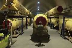 """Video hé lộ """"thành phố tên lửa"""" của Iran"""