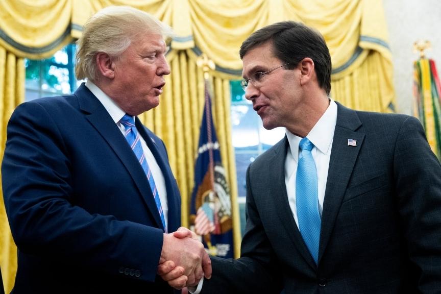 Lầu Năm Góc sẽ hợp tác điều tra ông Trump