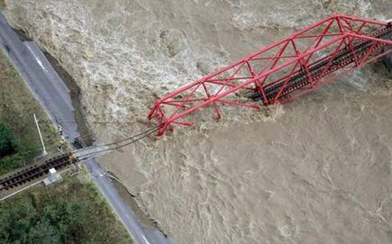 Cảnh tàn phá khủng khiếp siêu bão 'tím bầm trời' gây ra ở Nhật