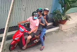 Đặc nhiệm ở Sài Gòn bắt 3 tên cướp giật túi xách có chứa giấy báo tử