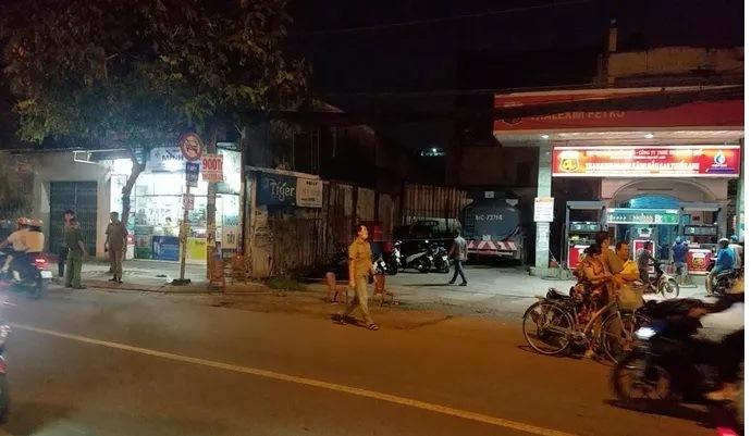 Truy tìm hung thủ giết người vụ hỗn chiến trong đêm ở Sài Gòn