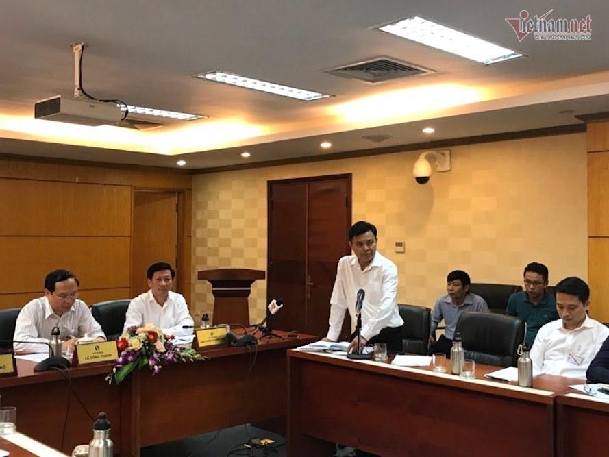 Viwasupco thừa nhận có váng dầu tại đầu nhà máy nước sông Đà