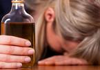 Cô giáo tiểu học bị cấm dạy 2 năm vì uống rượu trong lớp