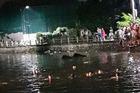 Lật thuyền vịt, 2 bé gái ở Hà Nội chết đuối