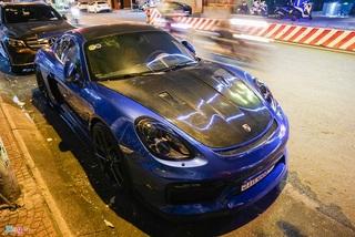 Cận cảnh Porsche Cayman độ phong cách xe đua ở TP.HCM