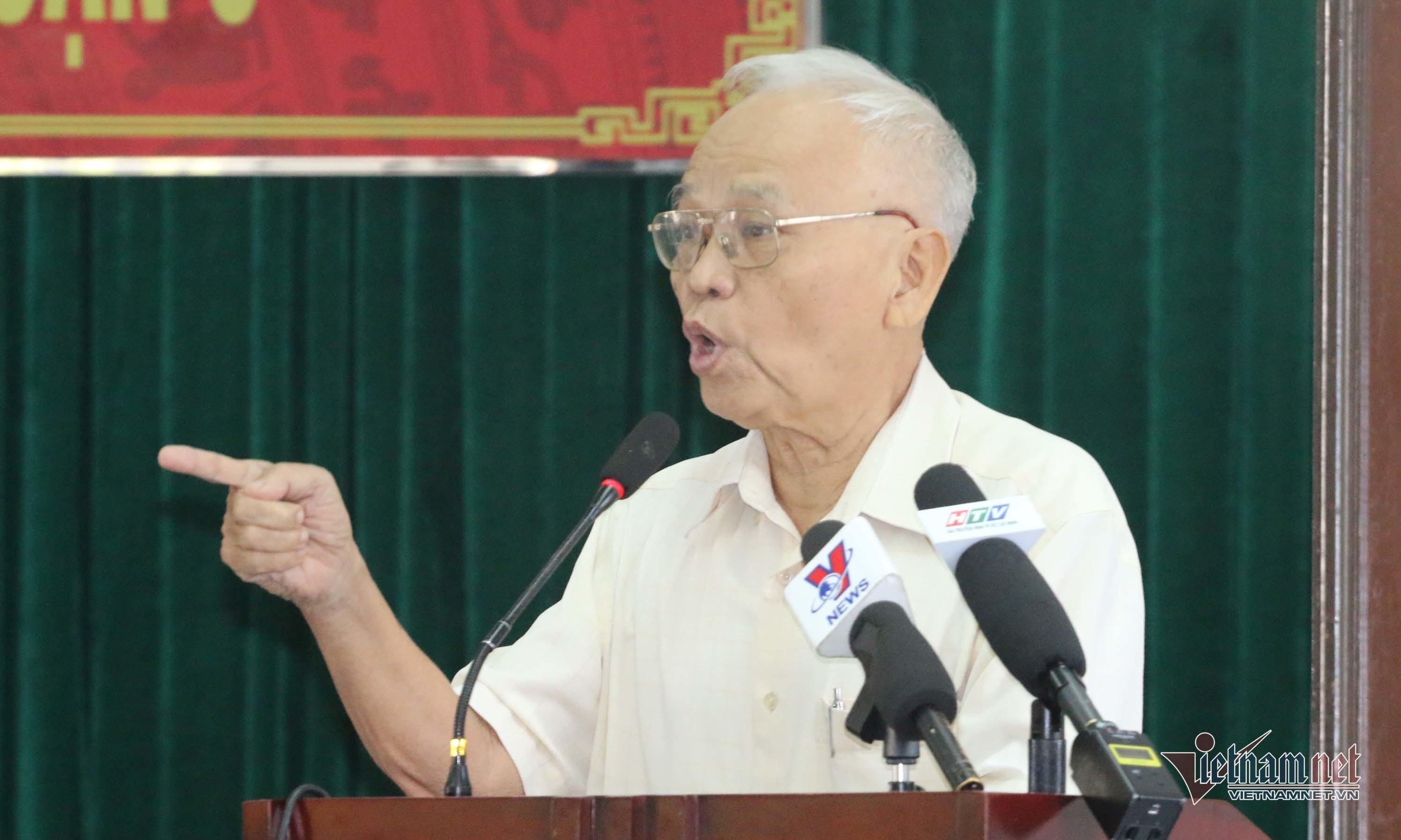 Cử tri khen ông Đoàn Ngọc Hải, đề nghị cách chức ông Tất Thành Cang