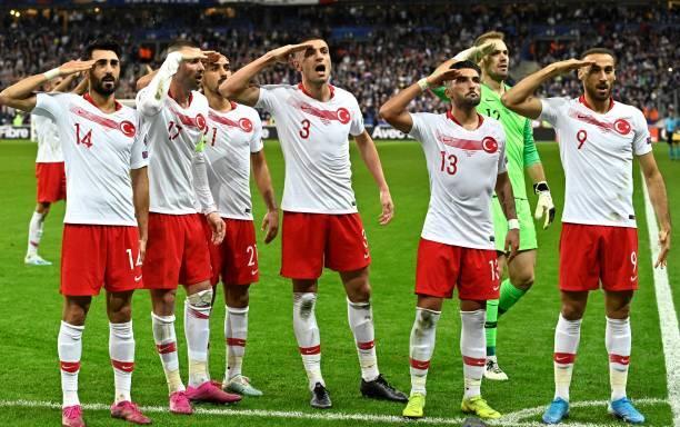 Tuột chiến thắng trước Thổ Nhĩ Kỳ, Pháp vẫn phải chờ