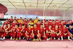 Quang Hải nói sẵn sàng, Văn Toàn khoe ảnh họp báo trước đấu Indonesia
