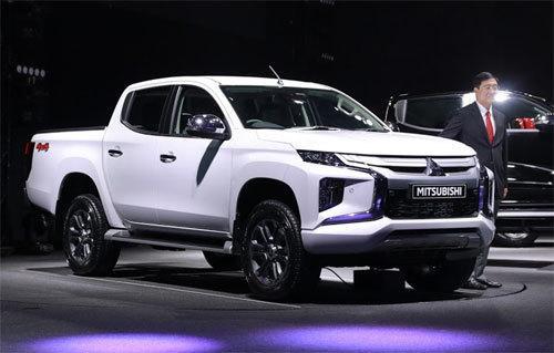 Thị trường xe bán tải: Ford Ranger tụt dốc, Toyota Hilux bật tăng