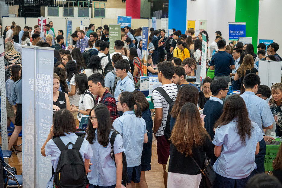 Hanoi University Fair connects int'l school students with world-leading universities