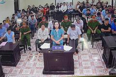 Cựu nữ Phó GĐ Sở nghẹn ngào phân trần tại tòa, lộ diện loạt tin nhắn nhờ vả
