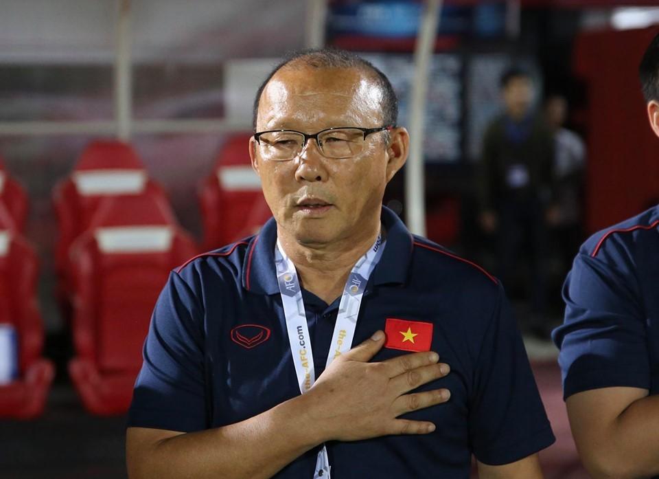 Báo Hàn chê lương thầy Park thấp, VFF nói đàm phán thuận lợi