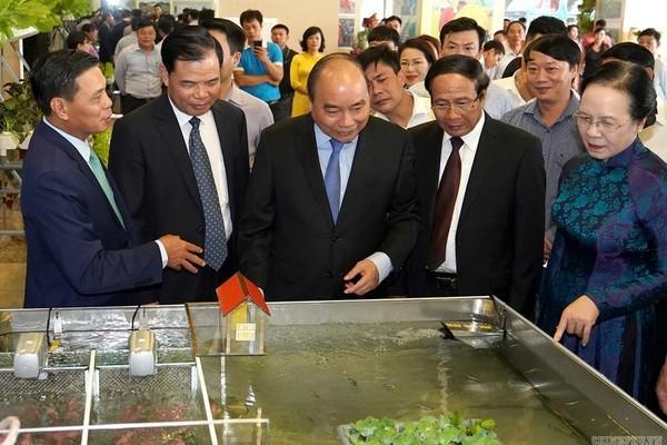 Thủ tướng Nguyễn Xuân Phúc dự Hội nghị tổng kết chương trình xây dựng nông thôn mới của Hải Phòng