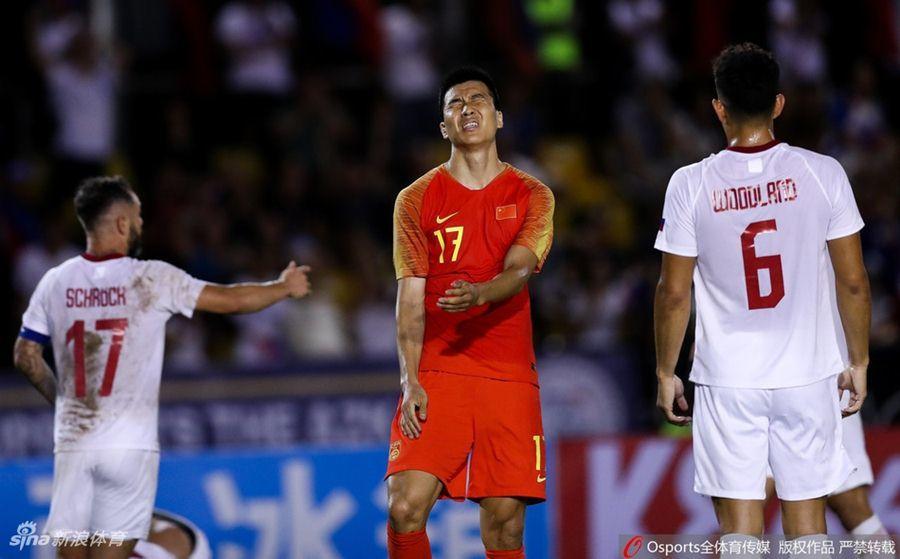 Philippines cầm chân Trung Quốc, Việt Nam hưởng lợi