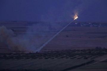 Bất chấp trừng phạt, Thổ Nhĩ Kỳ tấn công Syria như 'vũ bão'