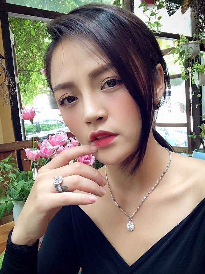 Lee Yeon Joo,Lâm Khánh Chi,Lan Khuê,Hồ Ngọc Hà,Chi Pu,Mỹ Tâm