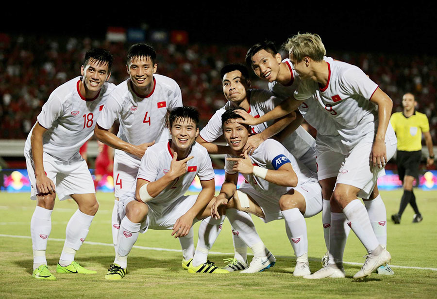 Bóng đá Việt lỡ nhịp vì dịch bệnh Corona, thầy Park thêm đối thủ