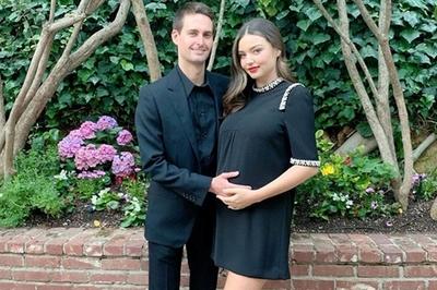 Miranda Kerr sinh con trai thứ hai cho chồng tỷ phú công nghệ
