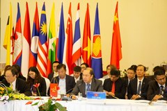 ASEAN, China officials debate recent developments in East Sea