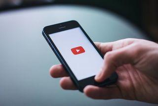 Mất gần 600 triệu đồng vì yêu cầu YouTube gỡ bỏ video
