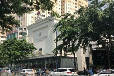 Bất chấp lệnh tháo dỡ, chủ đầu tư Riverside Palace vẫn cho nhà hàng hoạt động